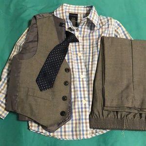Nautica 4 piece suit
